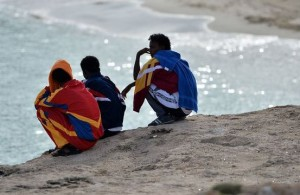 migranti spiaggia