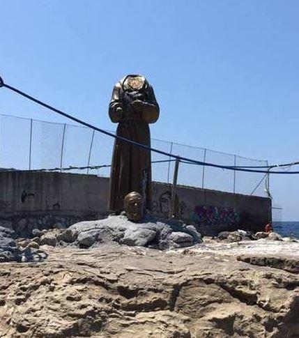Padre Pio – Decapitata statua a Castellamare di Stabia