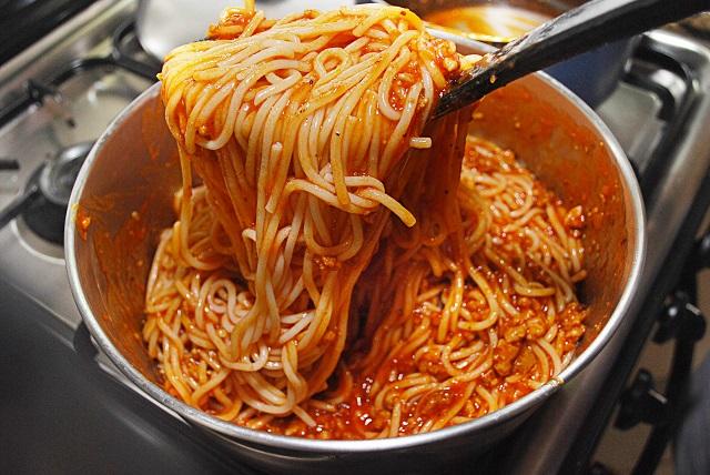 Salute – Dieta senza carboidrati, flop in Italia: 90% non rinuncia a pasta