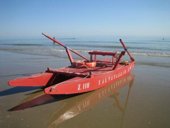 Giallo a Fregene – Bagnino esce in mare col pattino: trovato morto