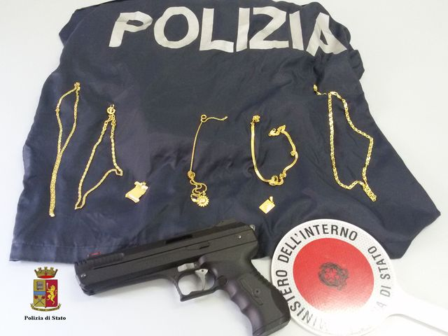 Scippatore seriale arrestato a Genova, colpiva a Sampierdarena e Bolzaneto