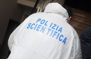 Fiamme in un locale, indaga la scientifica