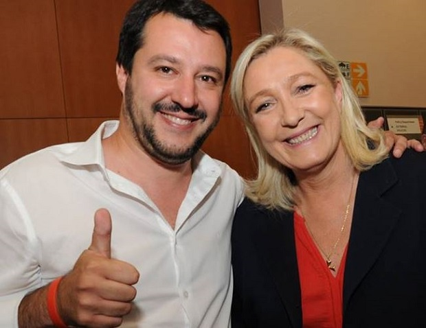 "Migranti – Salvini vs Papa Francesco: ""Quanti profughi in Vaticano?"""