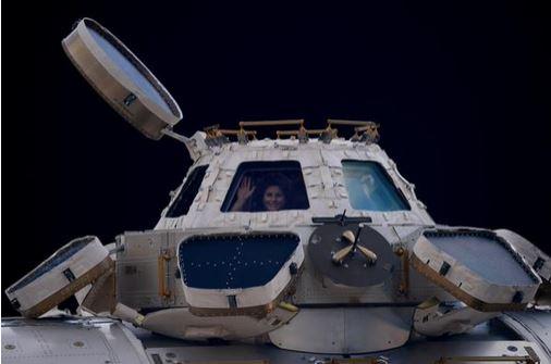 Samantha Cristoforetti torna a casa: in viaggio verso la terra a 27.000 km/h