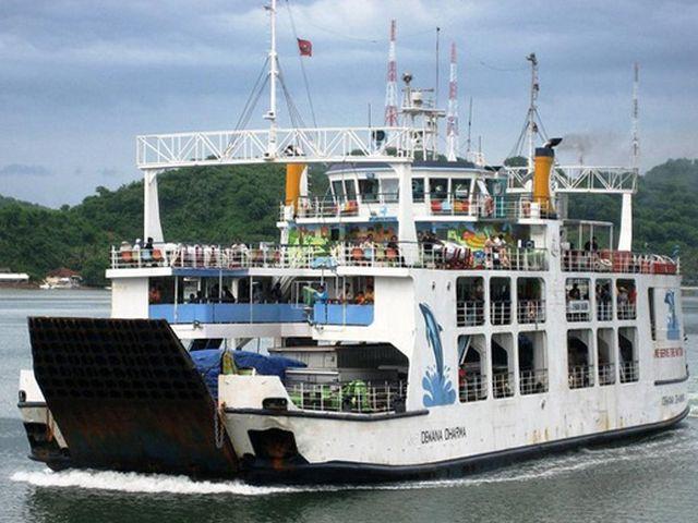 Turisti italiani feriti nell'esplosione su un traghetto in Indonesia