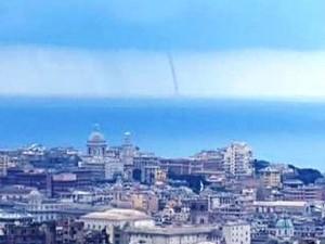 Tromba marina al largo di Genova