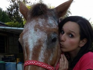 Giulia Bellarate vittima di un incidente a cavallo