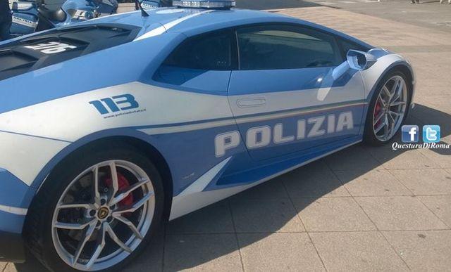 Lamborghini Huracan della Polizia per trasportare un organo da trapianto