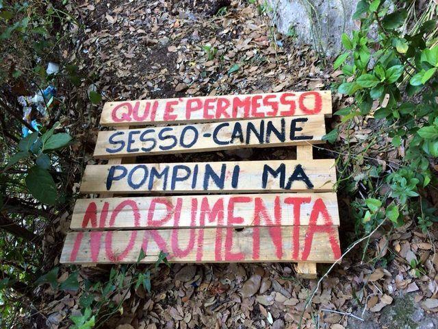 5 Terre, segnaletica hot per protestare contro la rumenta