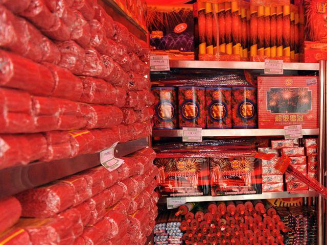 Cina – Esplosione in un magazzino di fuochi d'artificio, 15 morti