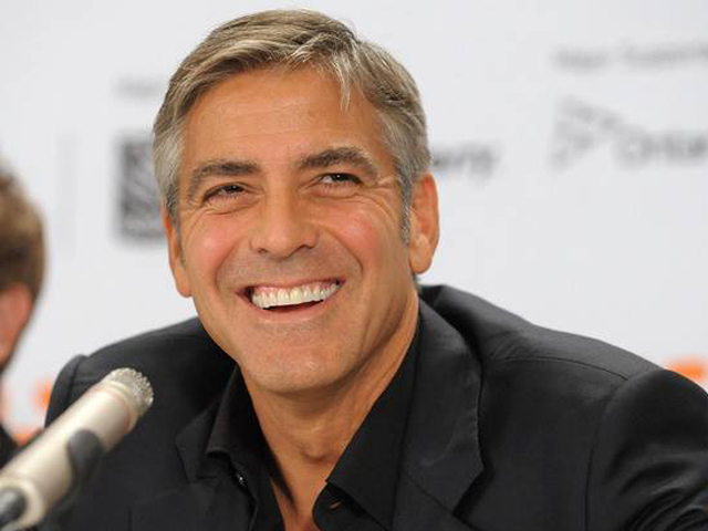 George Clooney cuore d'oro: mille dollari di mancia al bar dei senzatetto