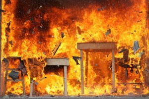 Cina, autobus in fiamme. 14 vittime ed oltre 30 feriti