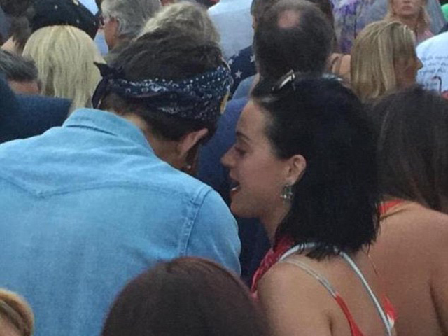 Gossip – Katy Perry e John Mayer teneri al concerto dei The Grateful Dead, sempre più ritorno di fiamma