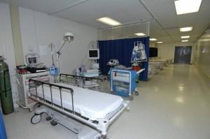 Salerno, uomo di 250 kg si sente male, arriva l'ambulanza ma muore per insufficienza respiratoria