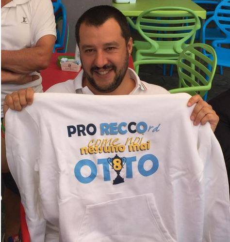 Liguria – A Matteo Salvini felpa Pro Recco