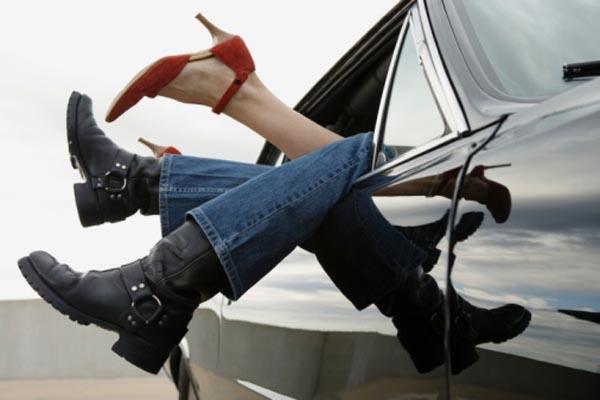 Brescia – Chiusi nel bagagliaio dopo sesso in auto