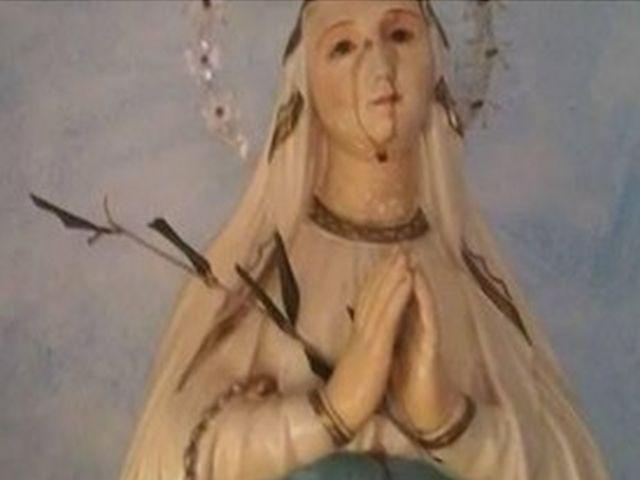 Statua della Madonna piange sangue di capriolo ad Auditore
