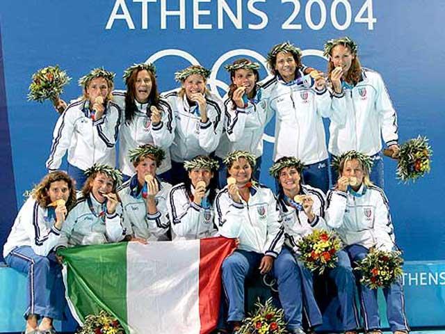 Il Setterosa olimpico si ribella alle dichiarazioni dell'attuale tecnico azzurro