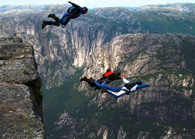 Base Jumping – Sportivo italiano morto in Svizzera