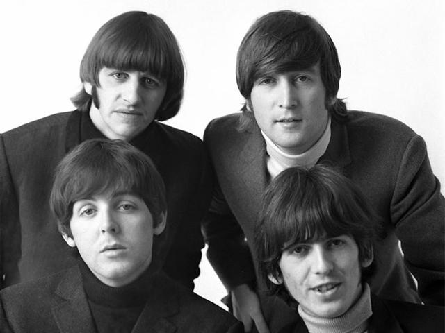 La chitarra di John Lennon battuta all'asta ad oltre due milioni di dollari