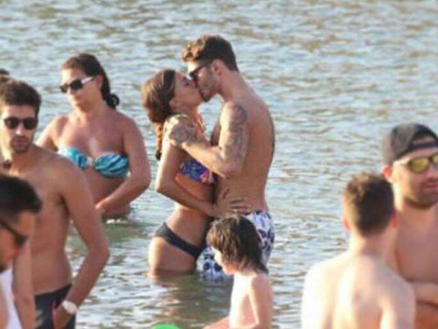Gossip – Belen Rodriguez e Stefano De Martino innamoratissimi a Mykonos