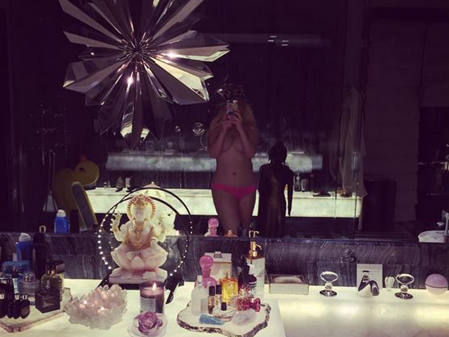 Gossip –  Christina Aguilera in topless su Instagram