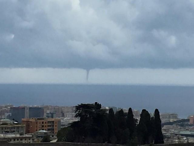 Genova, tromba d'aria sfiora la costa e raggiunge il VTE