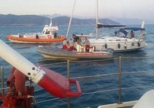 Vigili del fuoco salvano barca a vela