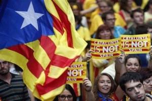 Catalogna al voto sognando l'indipendenza