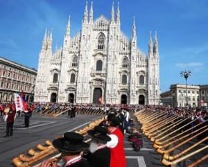 Corni svizzeri da record in piazza Duomo