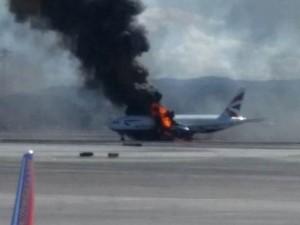 Aereo in fiamme a Las Vegas