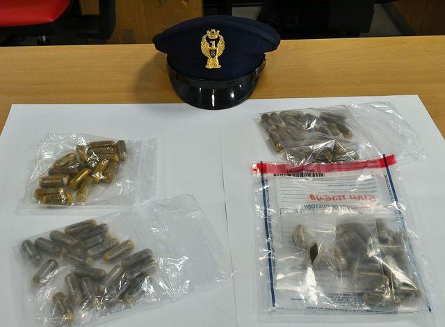 Genova Prè, un arresto per spaccio. Polizia sequestra 75 grammi di hashish