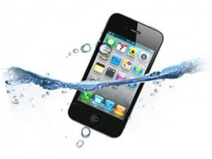 Cosa fare se iPhone cade in acqua
