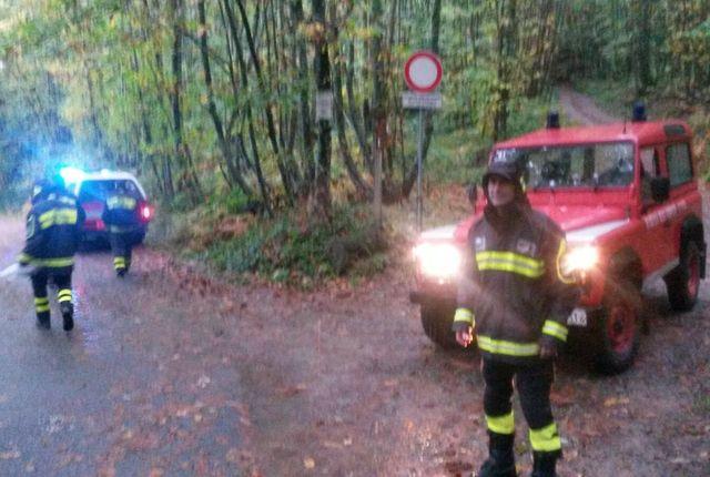 Vigili del fuoco salvano 4 persone nei boschi di Costa Manteghea nello Spezzino