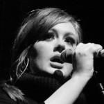 """Nuovo record per Adele: oltre un milione di download per """"Hello"""" solo negli Stati Uniti"""