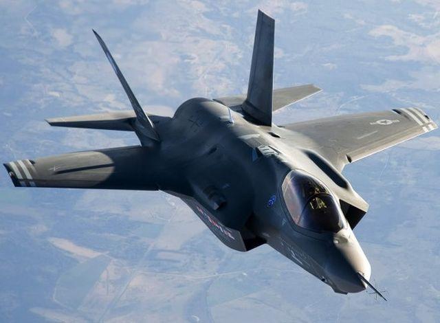 Abbattimento caccia russo, la Turchia sospende i bombardamenti contro l'Is