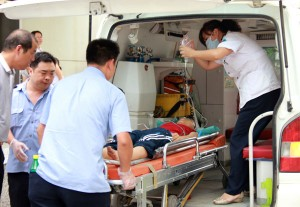 12enne ferito alle gambe da schegge di proiettile