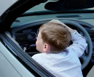 Australia - Ragazzino di 12 anni vuole attraversare il Paese in auto, viene fermato dopo 1300 km