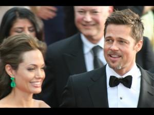 E' guerra tra Angelina Jolie e Brad Pitt: