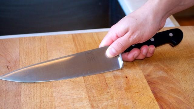 Rapallo - Minaccia barista con un coltello, arrestato