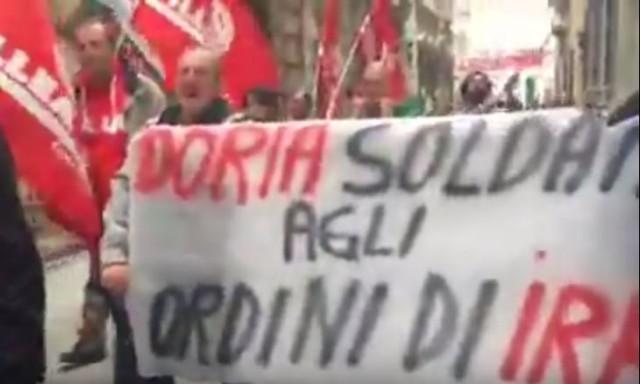 Iren, nuova manifestazione verso Palazzo Tursi, disagi al traffico