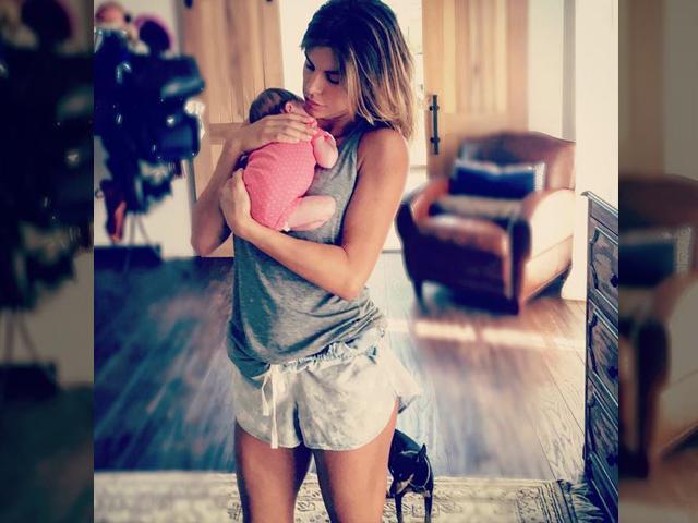 Gossip – Arriva la prima foto di Elisabetta Canalis e della piccola Skyler Eva