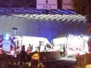 Furgone contromano a Genova Ovest, un morto e 8 feriti