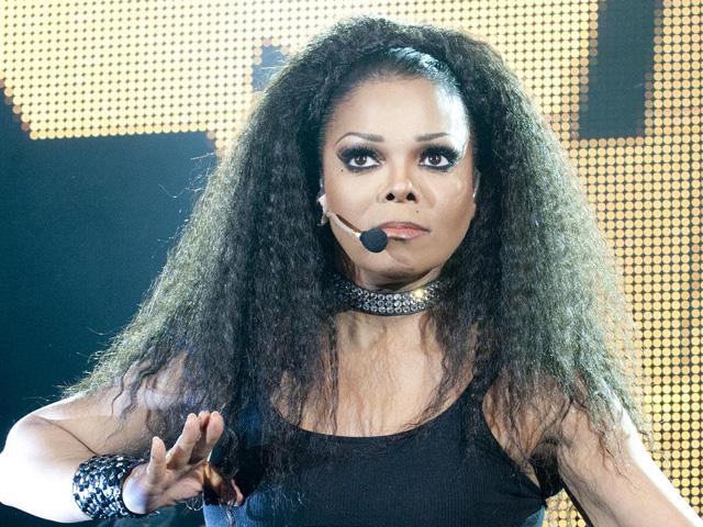 Janet Jackson cancella i concerti a Las Vegas per riposare le corde vocali
