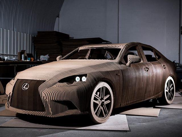 Arriva la prima auto riciclata costruita interamente di cartone