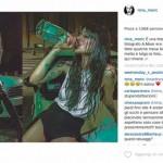 Nina Moric posta foto con bottiglia su Instagram, account bloccato
