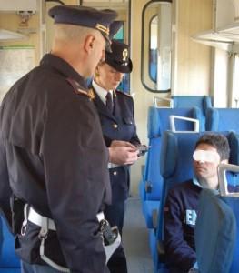 Latitante arrestato sul treno Genova - Ventimiglia