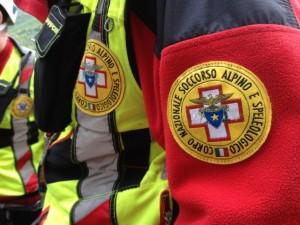 Monesi, motociclista 33enne cade sulla frana e muore