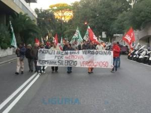 Manifestazione Iren in centro a Genova
