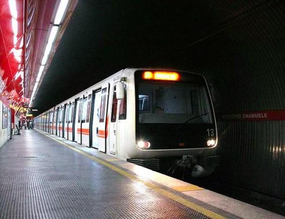 Genova - Metropolitana aperta anche di notte, ai genovesi piace
